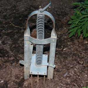 harpoon mole trap